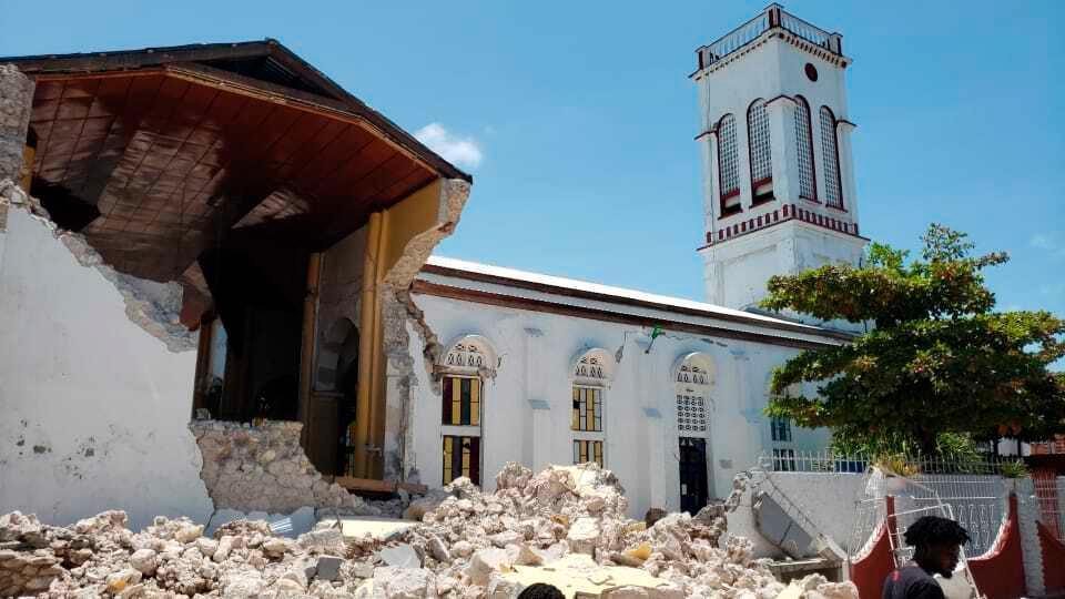 Det blev stora skador på många byggnader.