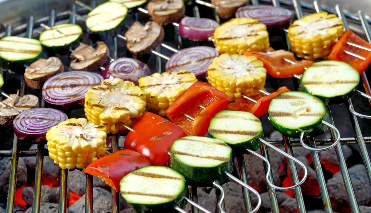 Direkt grillning – grillspett med grönsaker