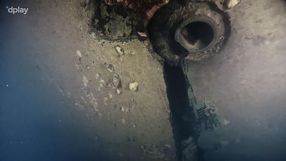 Bild ur ny dokumentärserie på ett hål i skrovet på Estonia, som sjönk 1994. Serien är producerad av Dplay.