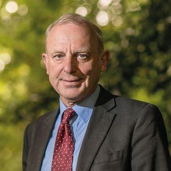 Karol Sikora, tidigare chef på WHO.