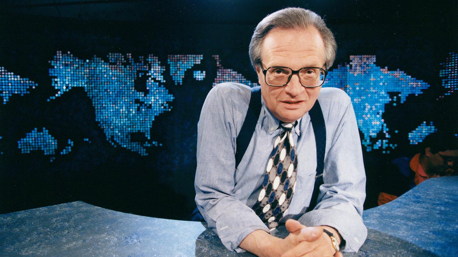 Larry King i CNN-studion i Atlanta på 90-talet.