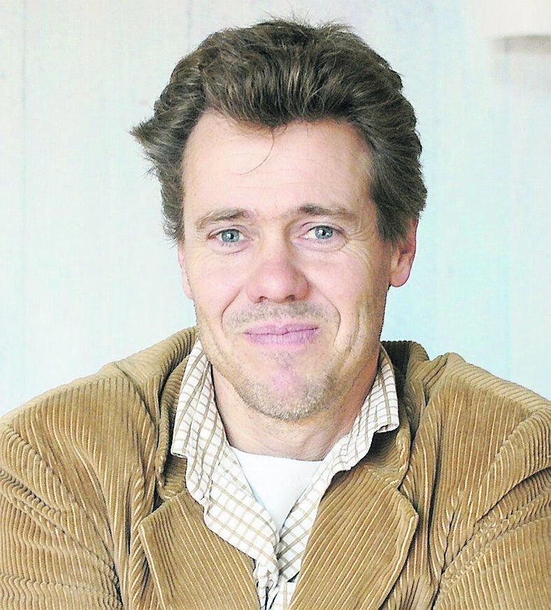 Peter Esaiasson.
