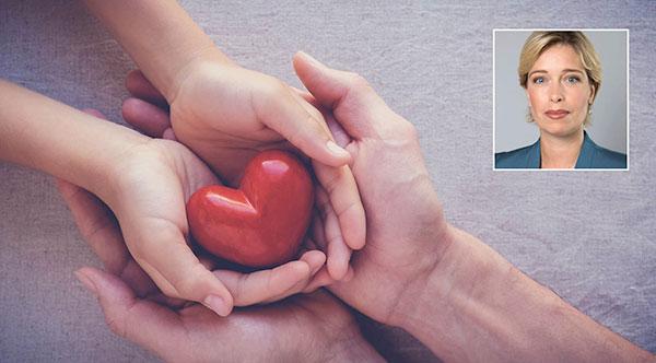 Den som står på en väntelista kan behöva ett eller flera organ och i genomsnitt dör en person i veckan medan de väntar, bland annat på grund av att bristen på donerade organ är så stor, skriver debattören.
