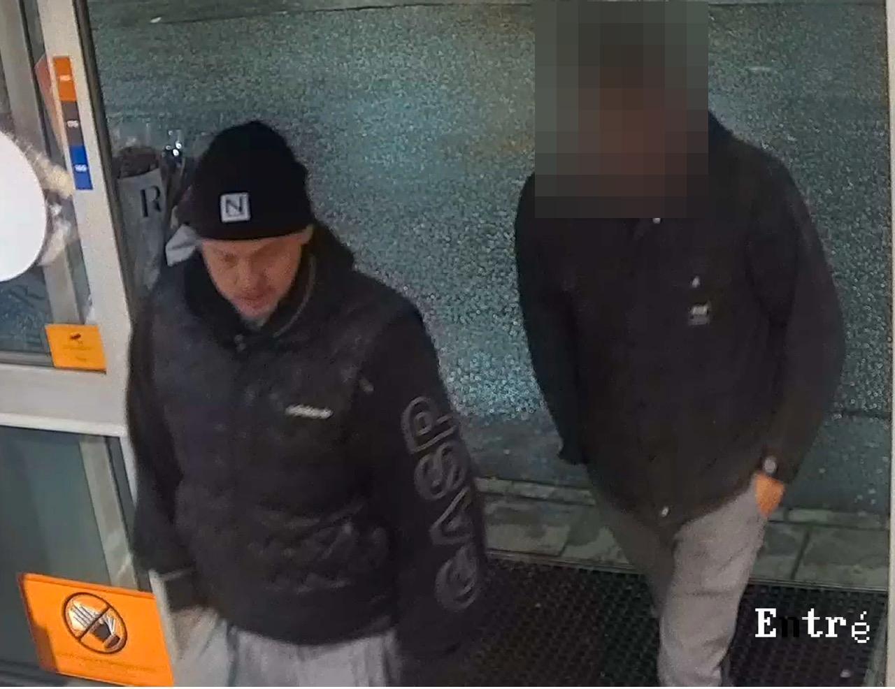 De åtalade för dubbelmordet i Vallentuna, Chrisoffer Öhman och 26-åringen.