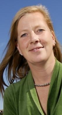 Kristina Axén Olin, finansborgarråd: Lasse i parken vid Hornstull. Det är en grön oas på Söder, som gjord för en lugn stund i solen.