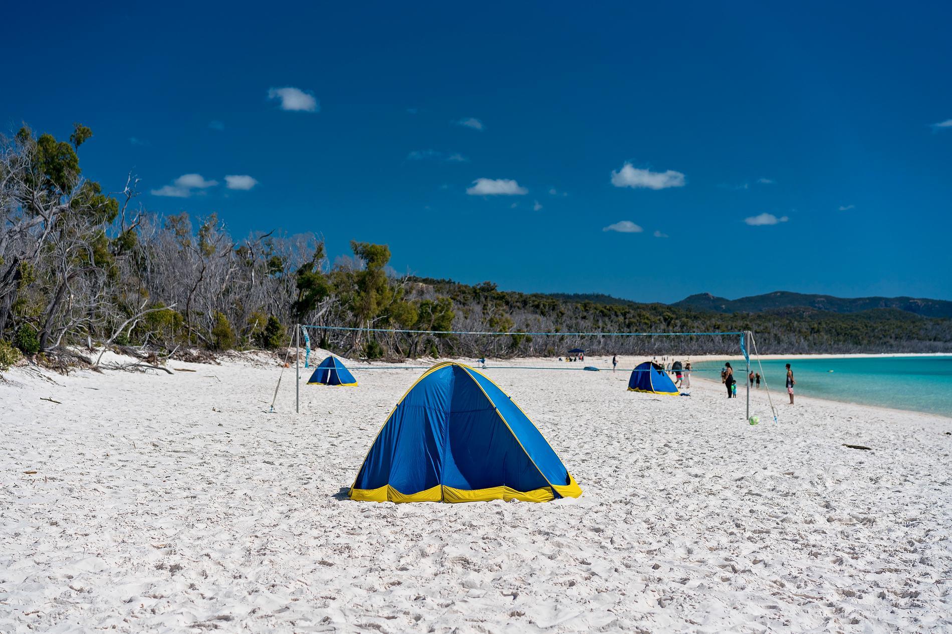 Camping är ett lite billigare alternativ på Whitsundayöarna.