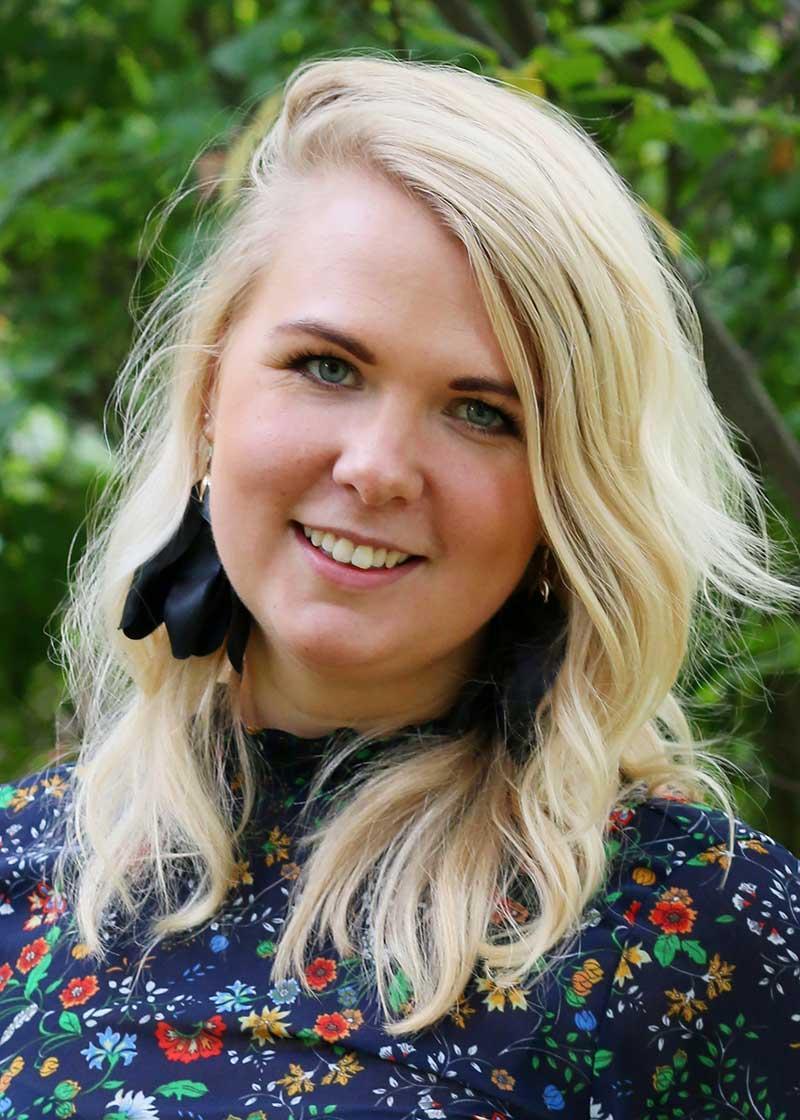Clara Larsson, pr- och social media manager på Apollo