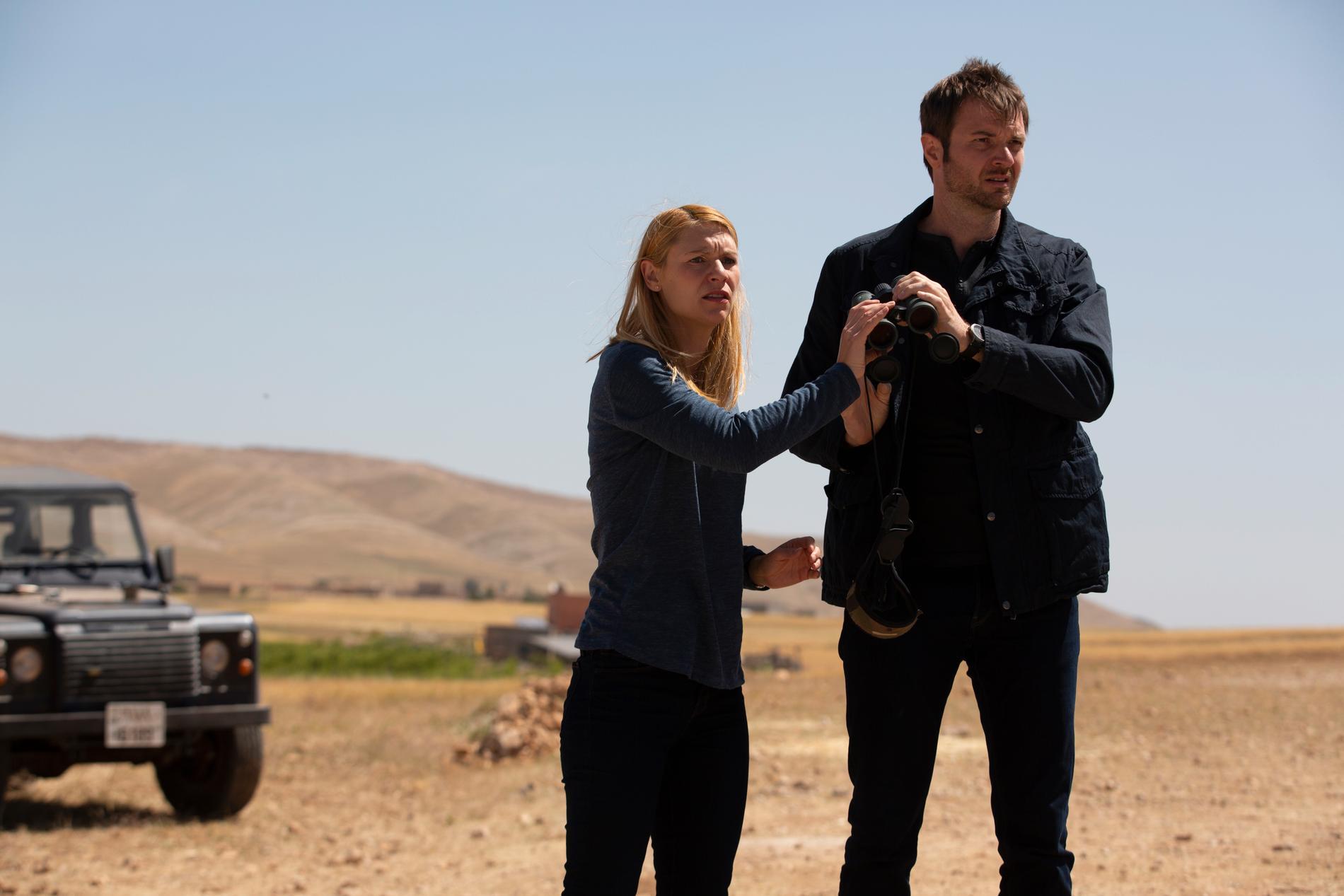 Carrie (Claire Danes) och Jevgenij Gromov (Costa Ronin).