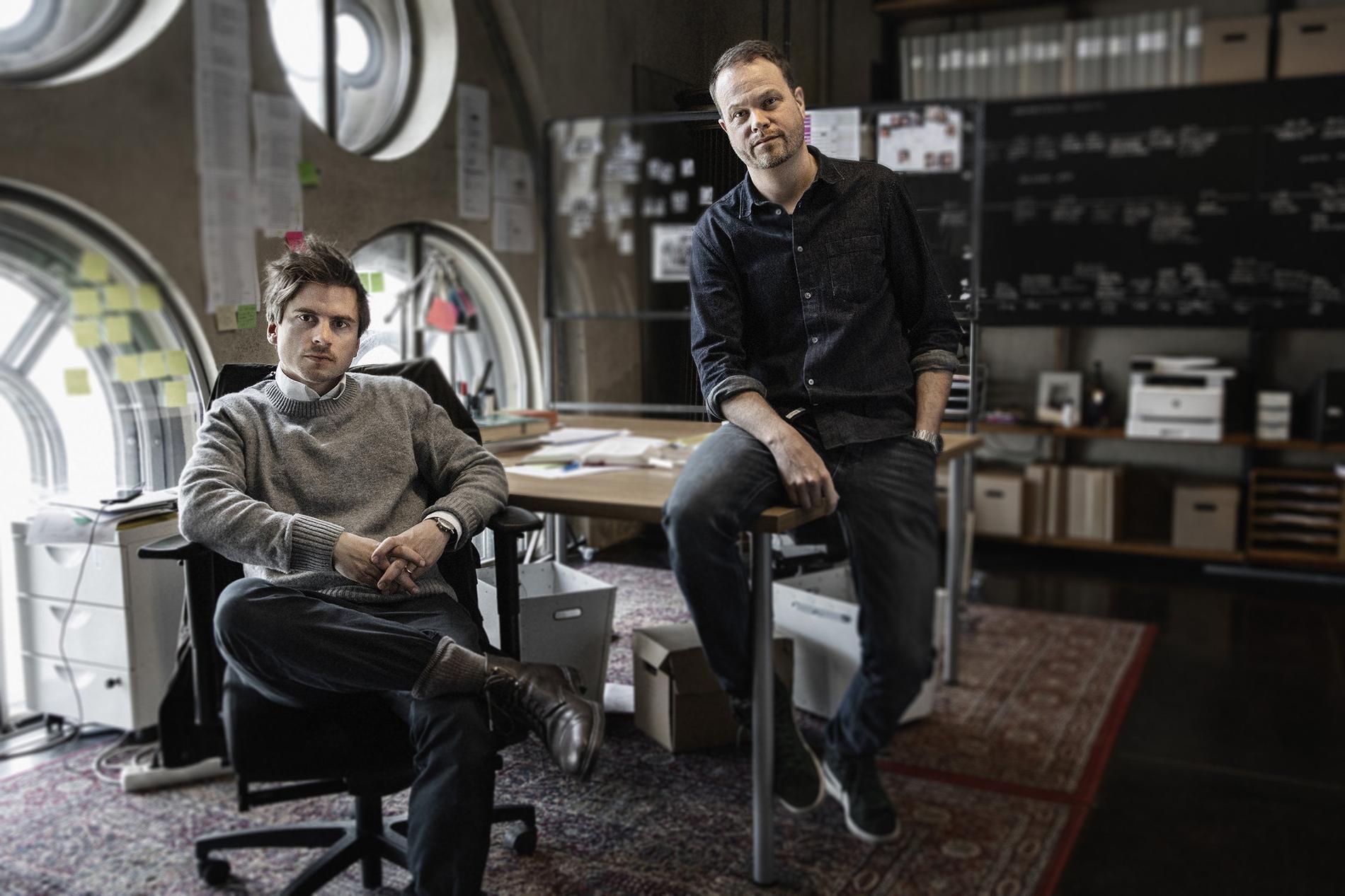"""Martin Johnson och Anton-Berg gör dokumentärserien """"Knutby: I blind tro""""."""