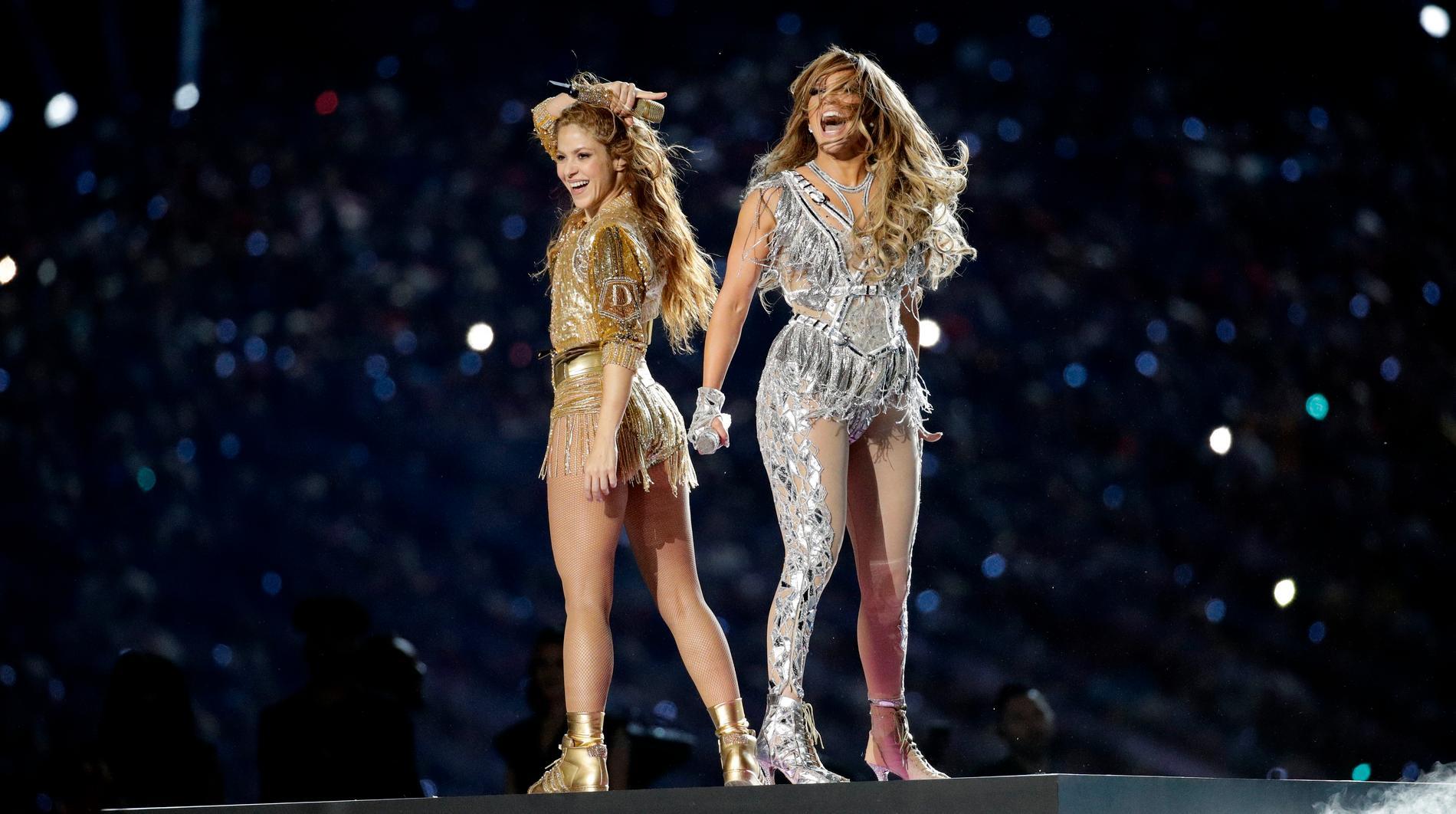 Ikväll möts Tampa Bay Buccaneers och Kansas City Chiefs i årets Super Bowl-final. Förra året uppträdde Shakira och Jennifer Lopez i halvtid, i år har uppdraget gått till The Weeknd.