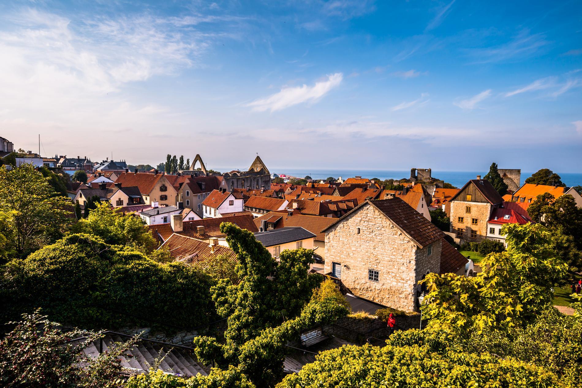 Bland annat Almedalsveckan och medeltidsveckan anordnas i Visby.
