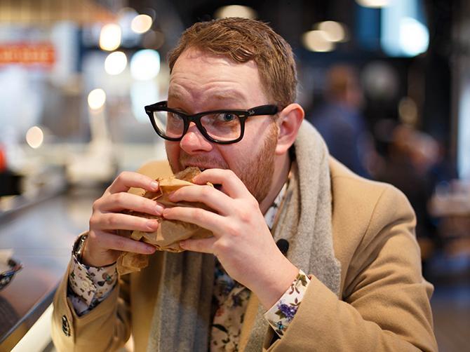 Pierre Orsander tar med tittarna till Malmö utifrån  ett street food- och gourmetperspektiv.