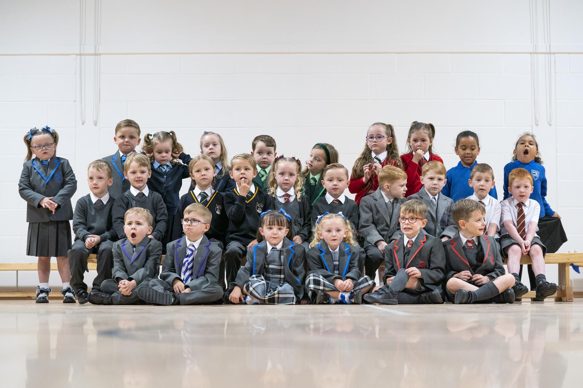 I klassen på St Mary's grundskola går inte mindre än 15 tvillingpar.
