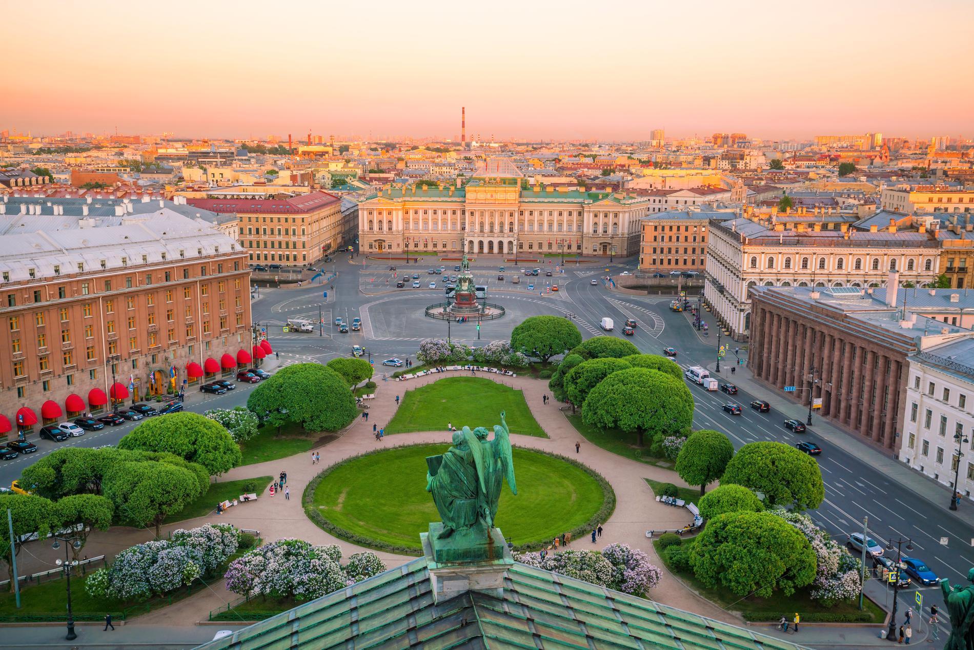 Sankt Petersburg är en av Europas två billigaste städer.