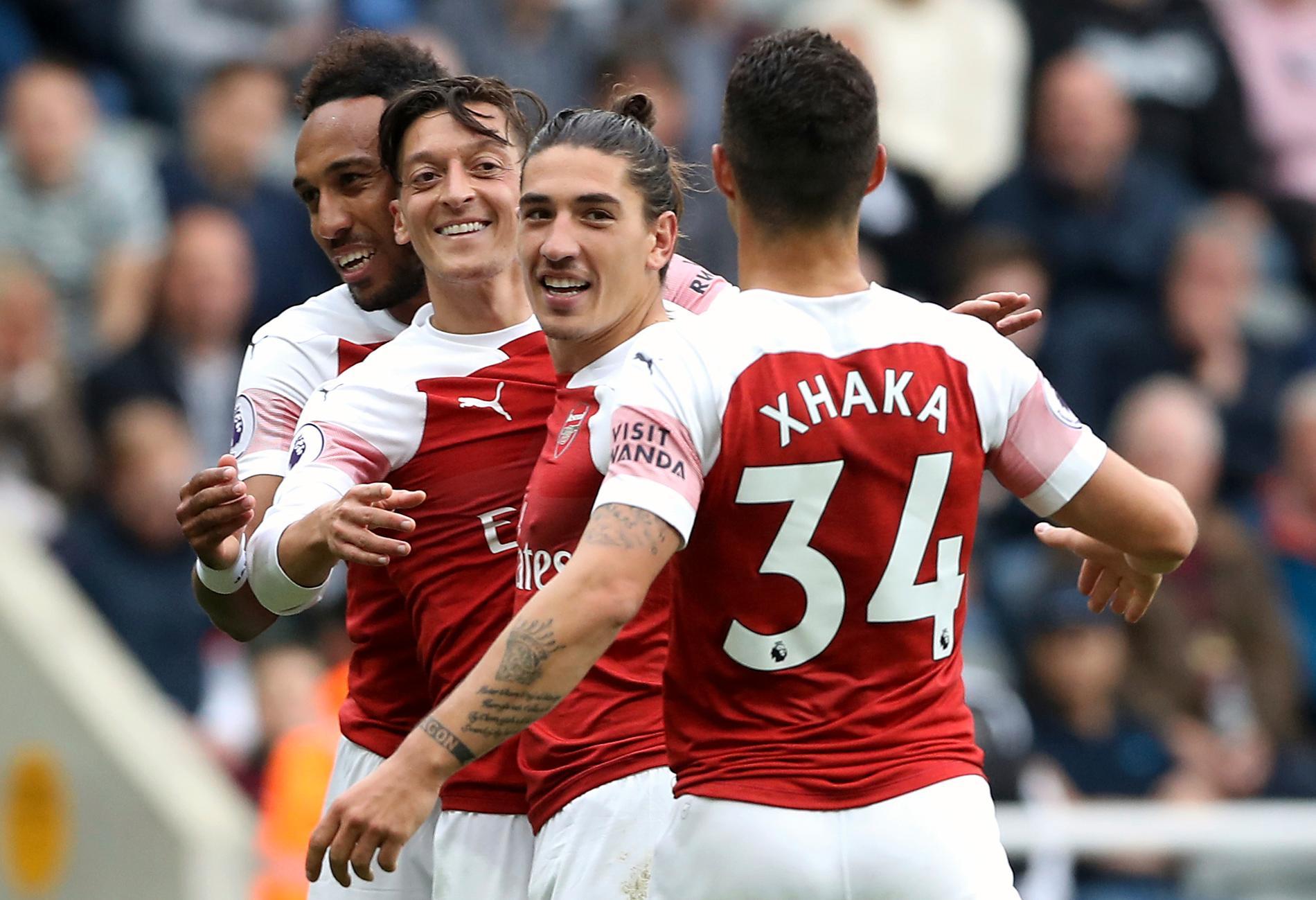 Arsenal har skrivit ett tröjavtal med Adidas.