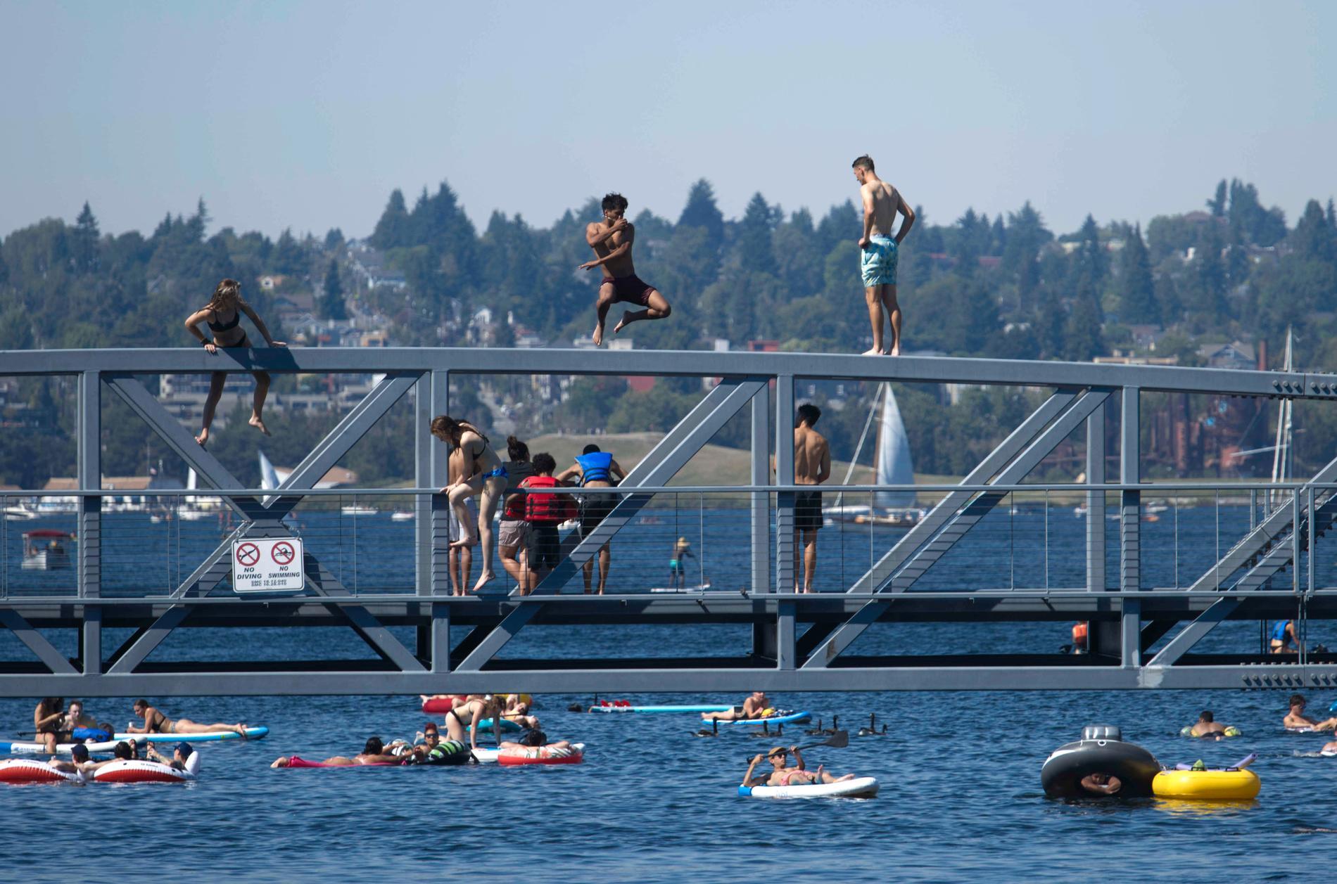 Bad i värmen i Seattle i USA.
