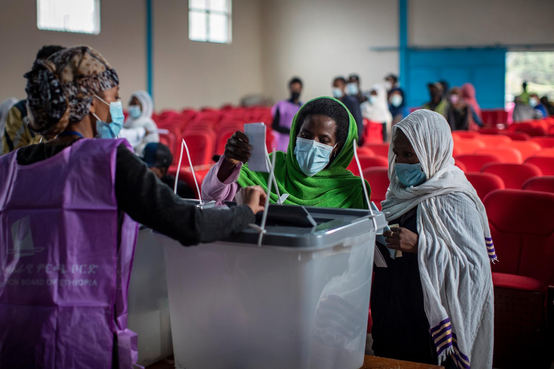 Etiopier röstar i Addis Abeba.