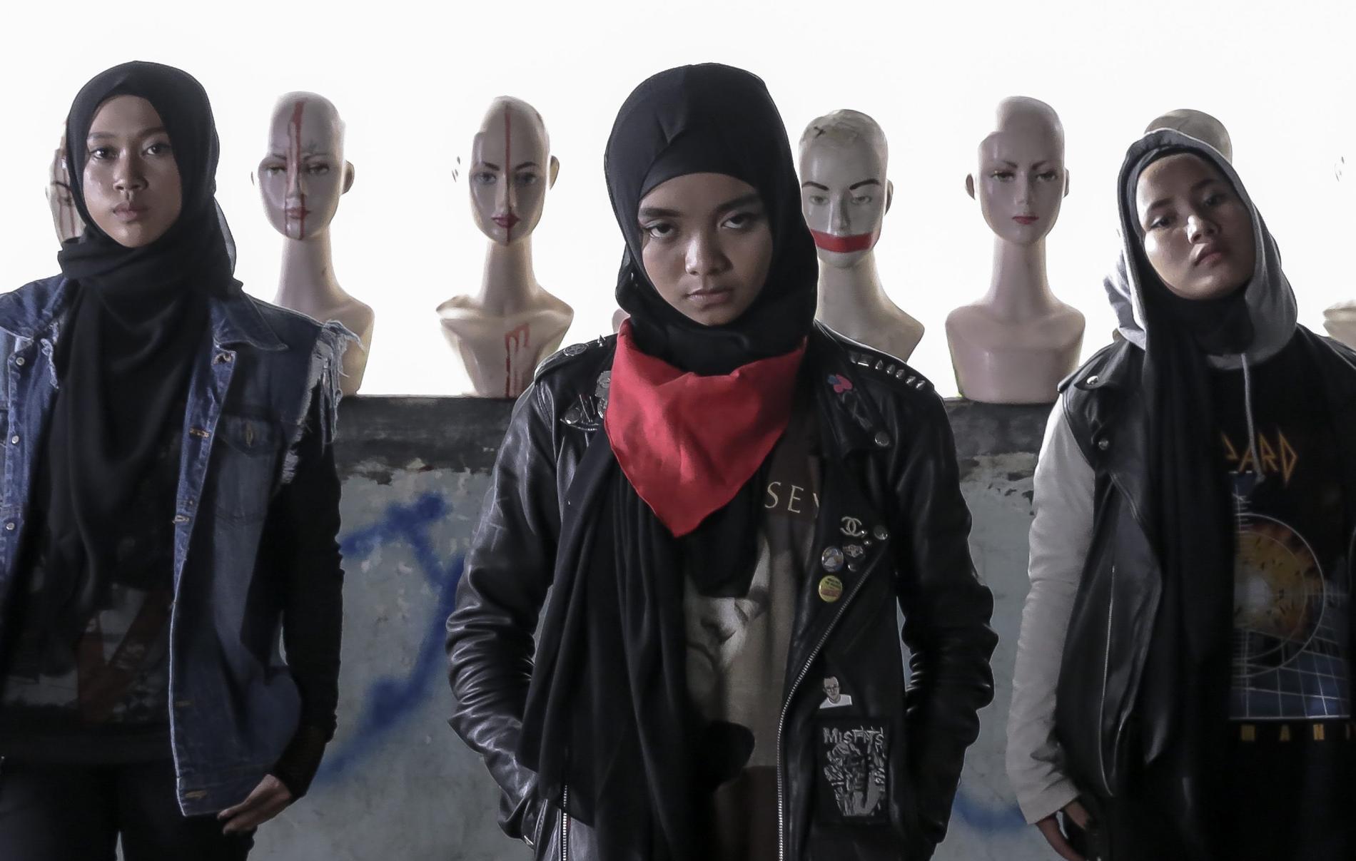 Indonesiska trion Voice of Baceprot börjar bli ett namn i den globala metalvärlden.