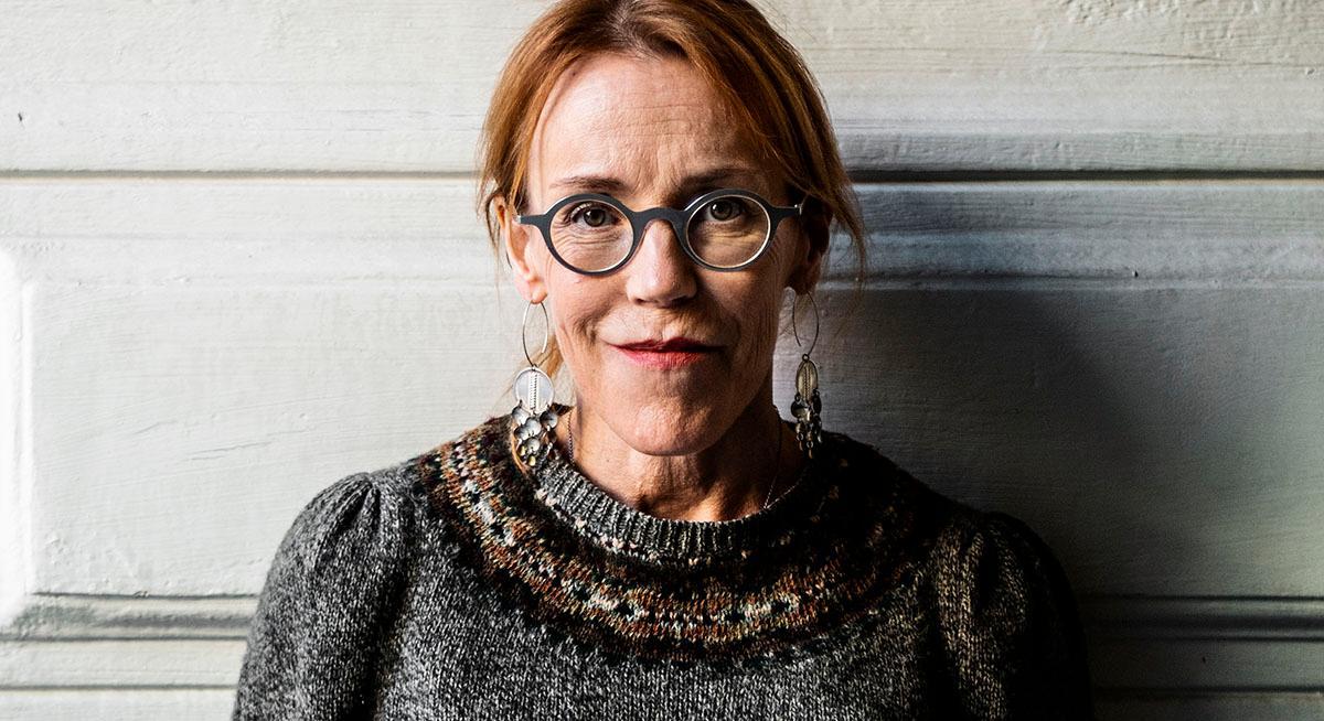 """""""Fädernas missgärningar"""" är de sjätte –och sista –boken i serien om Rebecka Martinsson. Den första kom 2003 och hette """"Solstorm""""."""
