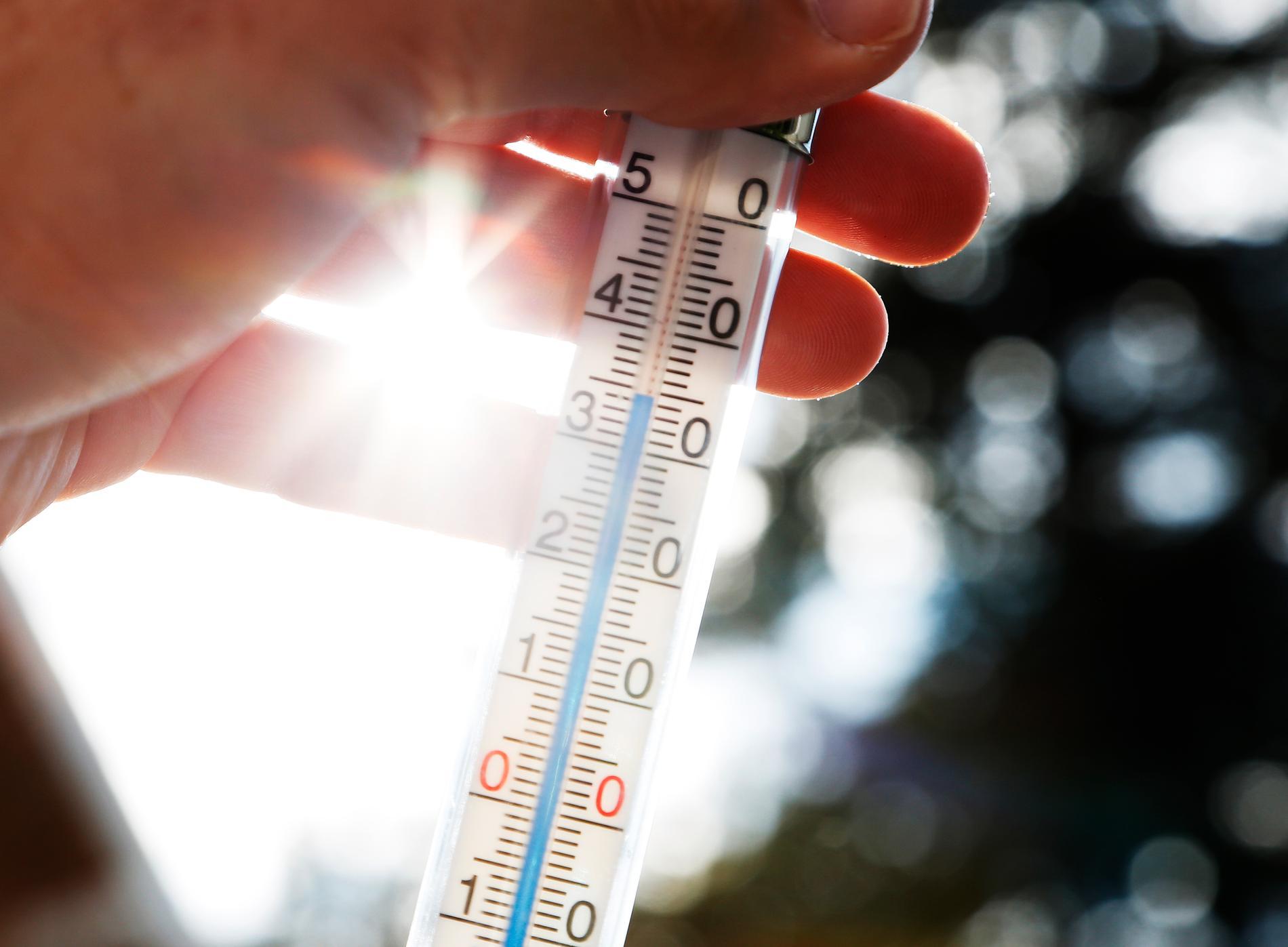 Enligt SMHI:s prognoser kan temperaturen bli så hög som 35 grader i flera delar av mellersta Sverige.