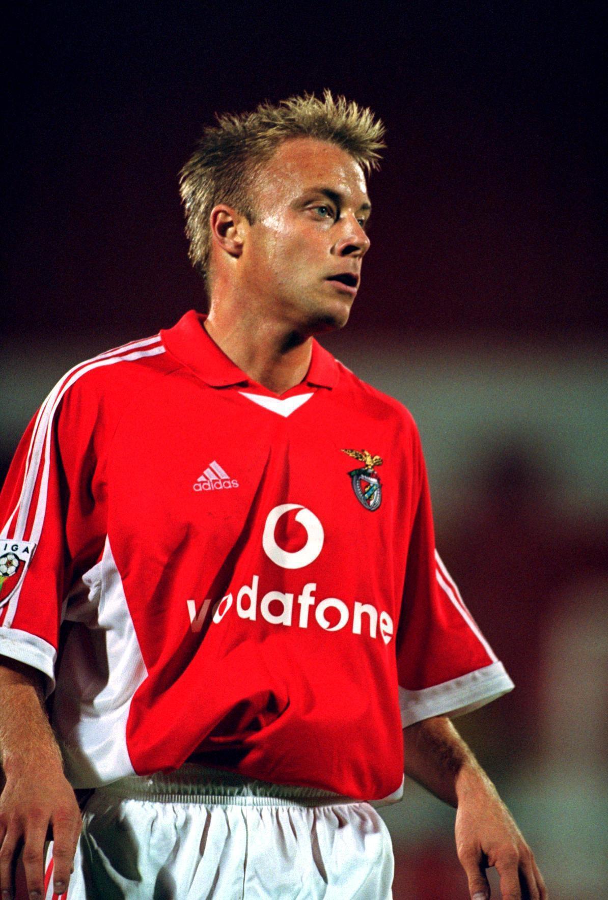 Anders Andersson i Benfica-tröjan.