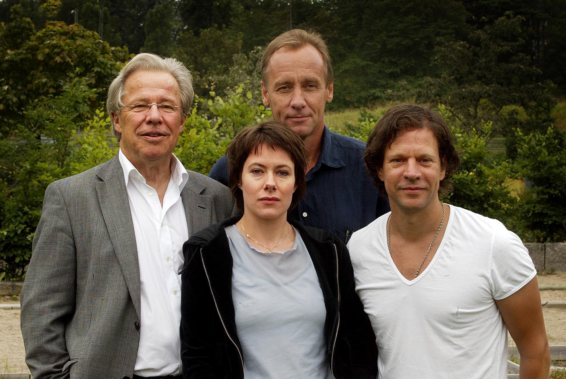 """Pressträff 2004 för filmerna om """"Van Veeteren"""" men Sven Wollter, Eva Rexed, Håkan Nesser och Thomas Hanzon."""