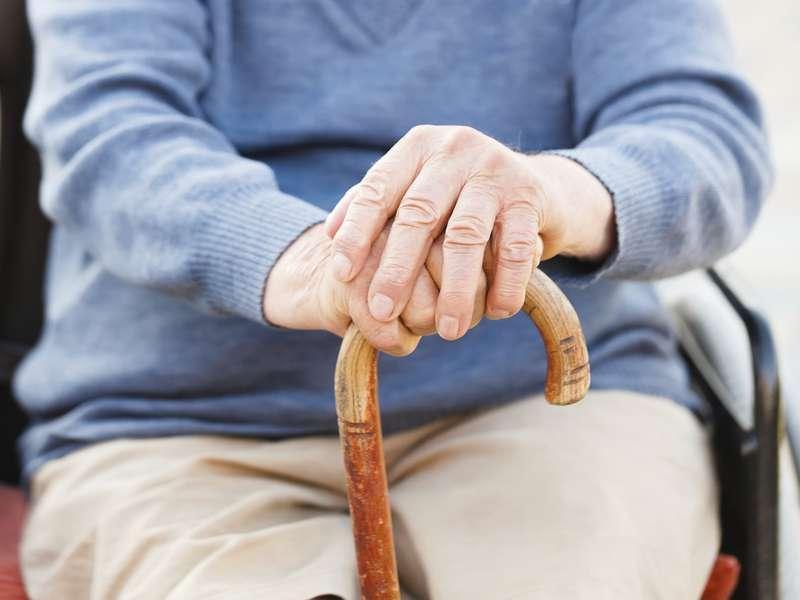 40 procent av alla äldre i Sverige lider av ensamhet i perioder.