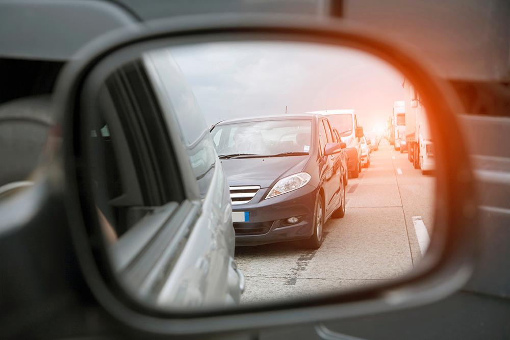 Antalet nyregistrerade bilar sjönk markant under april månad.