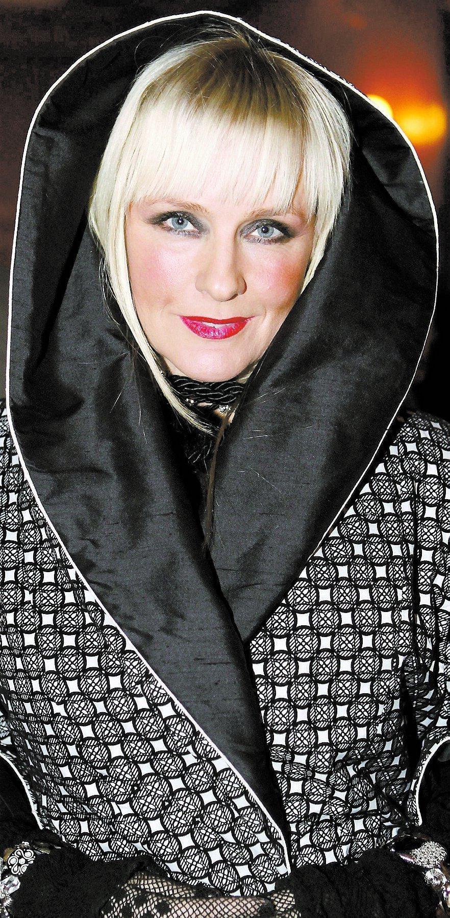 UT I KYLAN Regina Lund finns kvar – men hennes namnsdag försvinner. I stället kommer Kevin in och tar hennes plats i almanackan den 7 september.