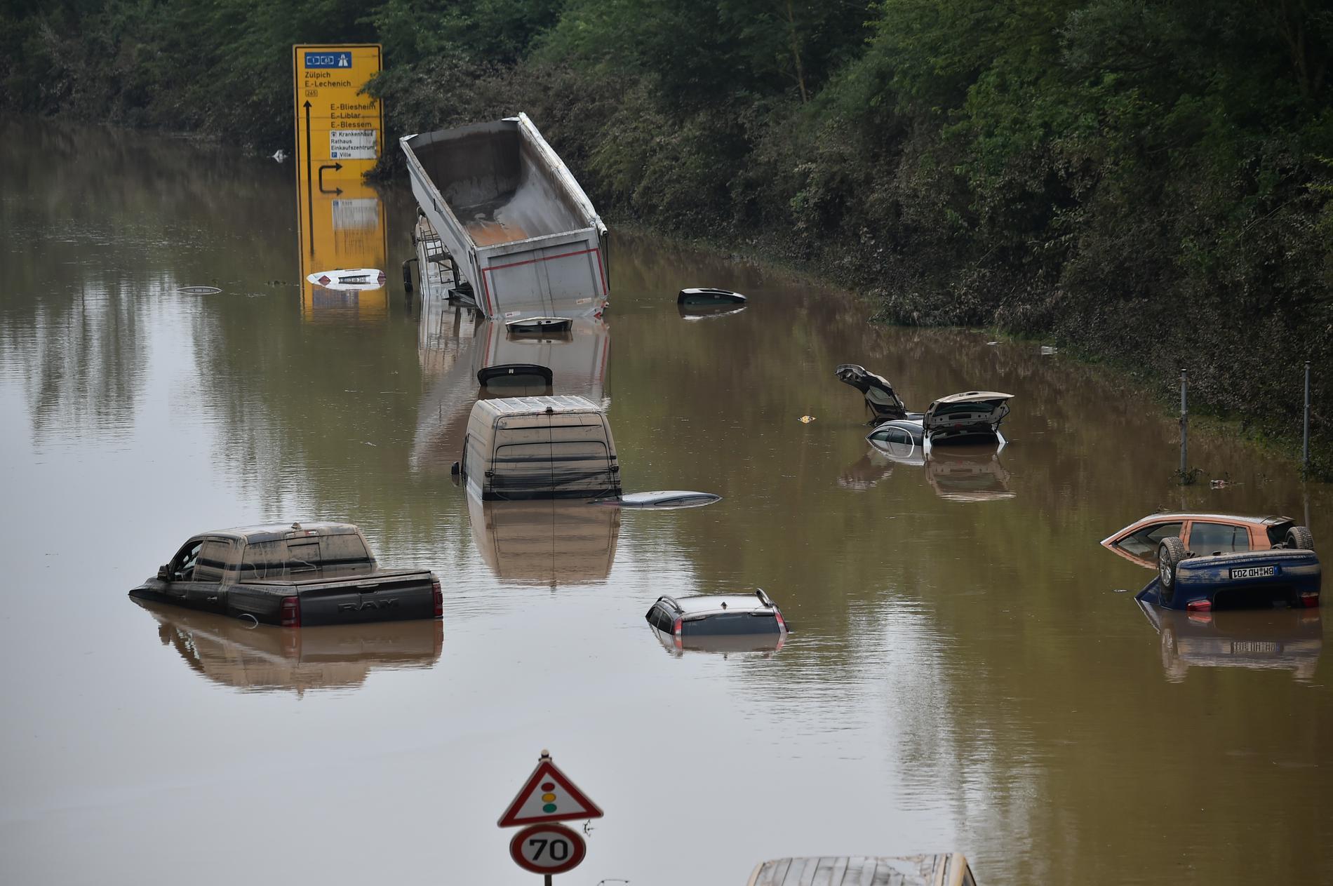 Vid den förra översvämningen som drabbade Belgien var motorvägen som går i höjd Erftstadt–Blessem helt begraven i vatten. Nu har nya översvämningar drabbat landet.