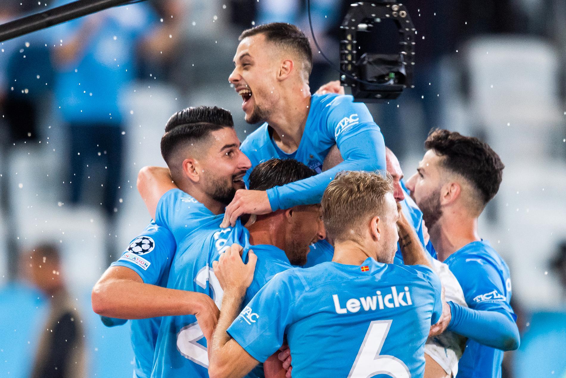 Berget, Colak, Birmancevic, Lewicki och Rakip firar mål mot Ludogorets.