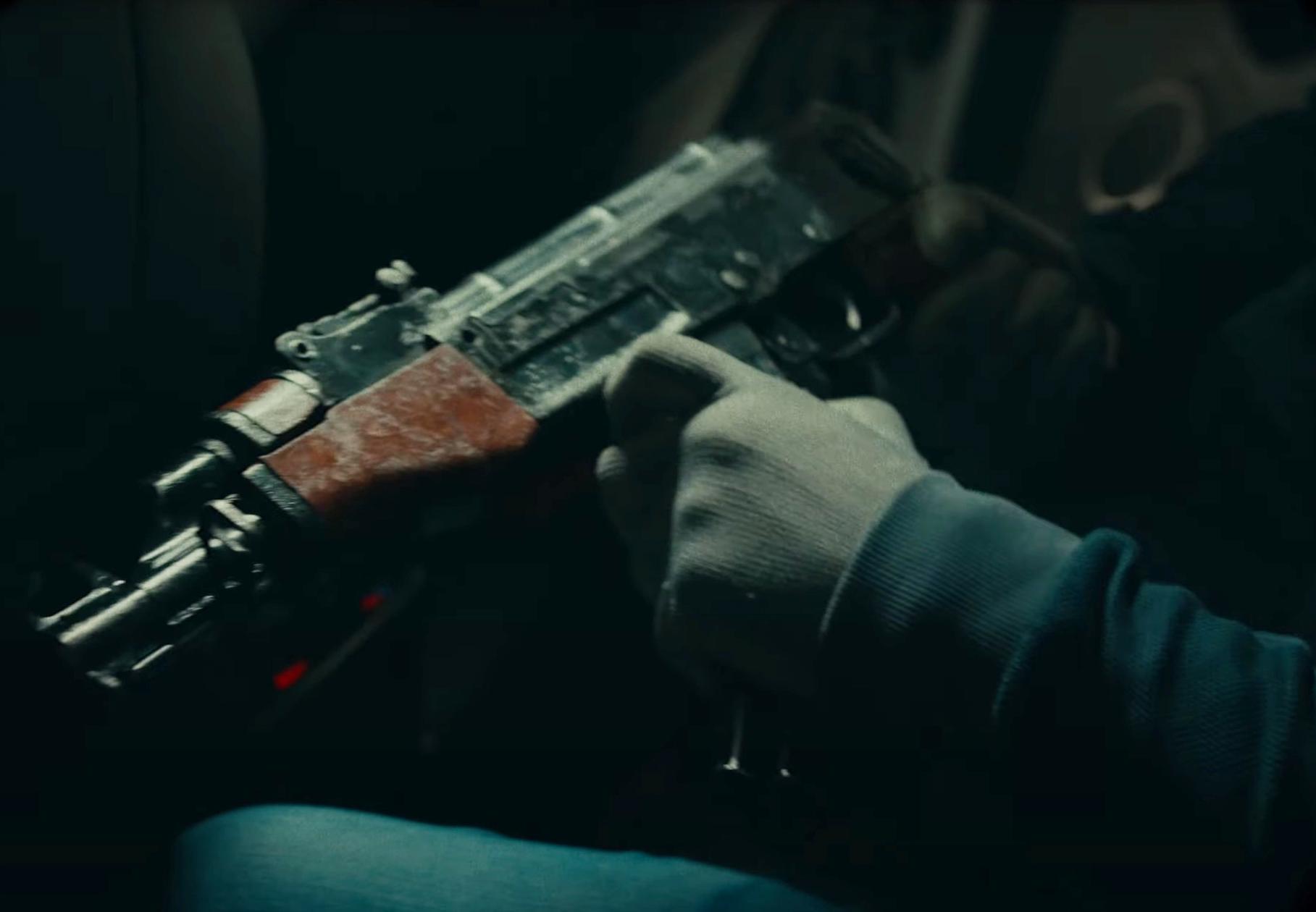 Mässtänkta vapnet användes i en musikvideo dagarna innan det antagligen användes för att döda 12-åriga Adriana utanför mcdonalds i botkyrka.