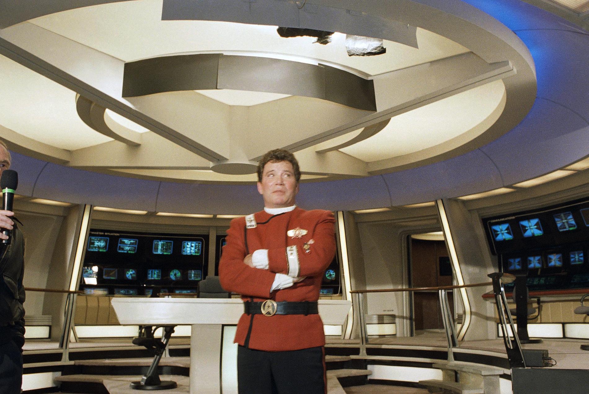 """William Shatner som kapten Kirk i ombord rymdskeppt Enterprise i legendariska scifi-serien """"Star trek""""."""
