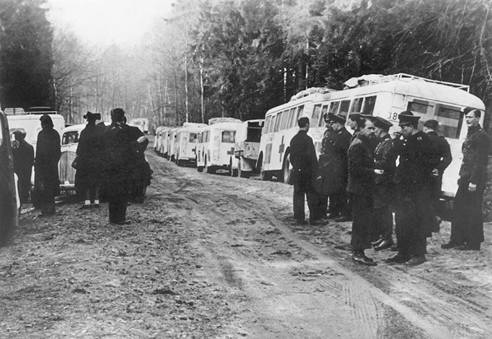 Från mitten av mars till början av maj 1945 räddades drygt 15 000 fångar ur tyska koncentrationsläger. Bland dem fanns nästan 8 000 norrmän och danskar.