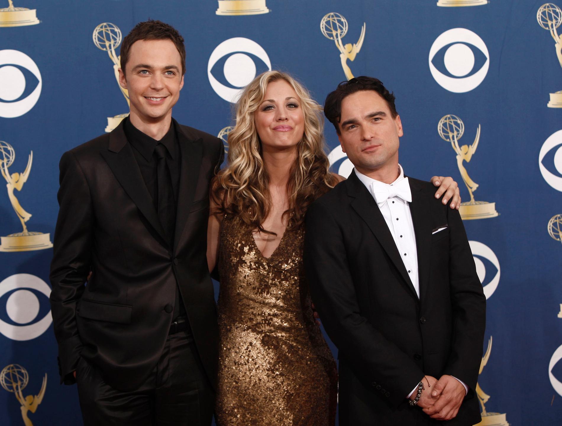 """Jim Parsons, Kaley Cuoco, Johnny Galecki och resten av skådespelarna tar farväl av sina rollfigurer i """"The big bang theory"""" i och med den aktuella tolfte säsongen, rapporterar Variety. Arkivbild."""