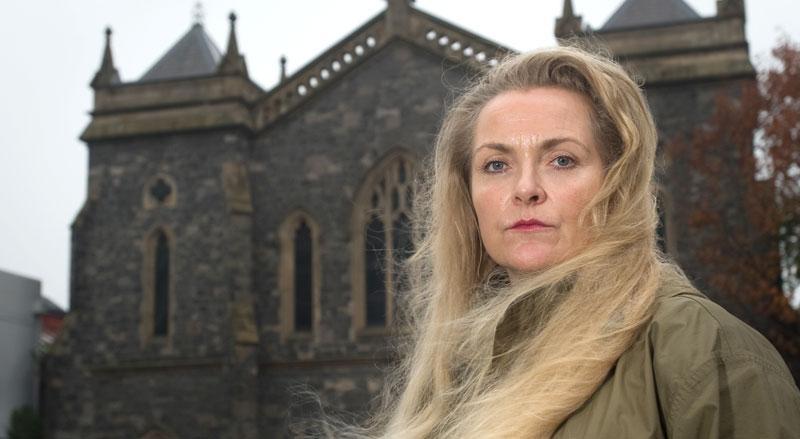 Gunilla Hodkin väljer nu att berätta om sexövergreppen inom den katolska kyrkan.