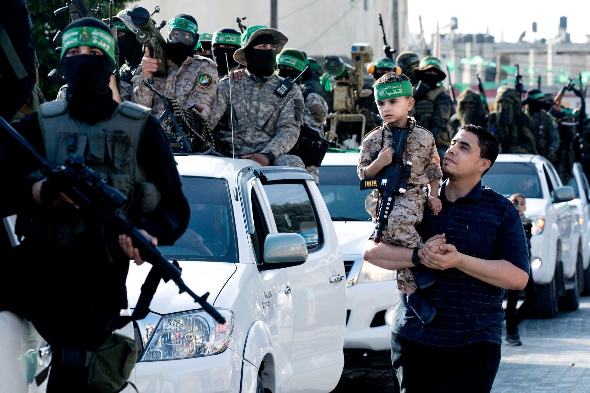 """Den 28 maj genomförde Hamas en parad i Rafah för att fira vad de ser som en """"seger"""" i kriget mot Israel."""