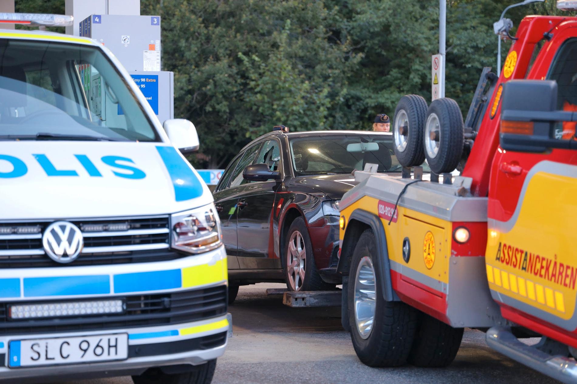 Polisen beslagtog den beskjutna Audin för att genomföra en teknisk undersökning.