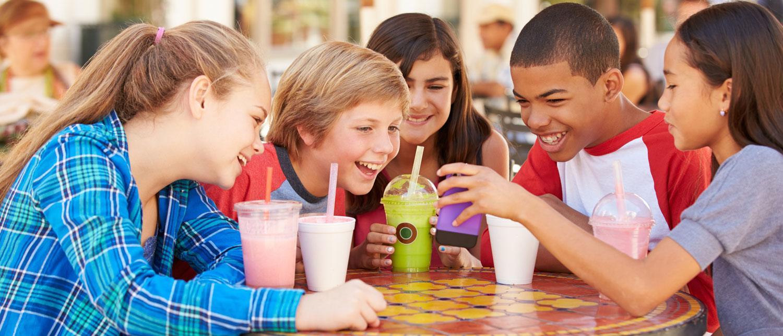 I åldern tio till tolv år, den så kallade tweenie-åldern, blir kompisrelationerna allt mer viktiga.