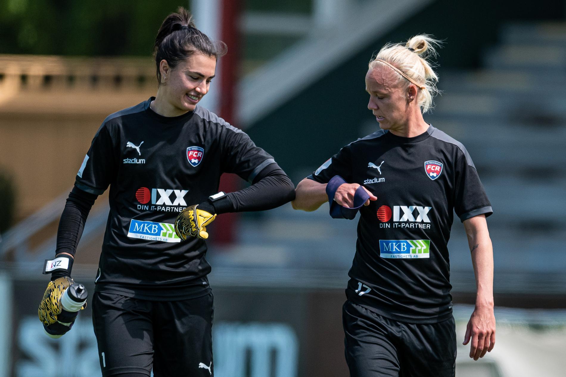 Musovic tillsammans med lagkapten Caroline Seger.