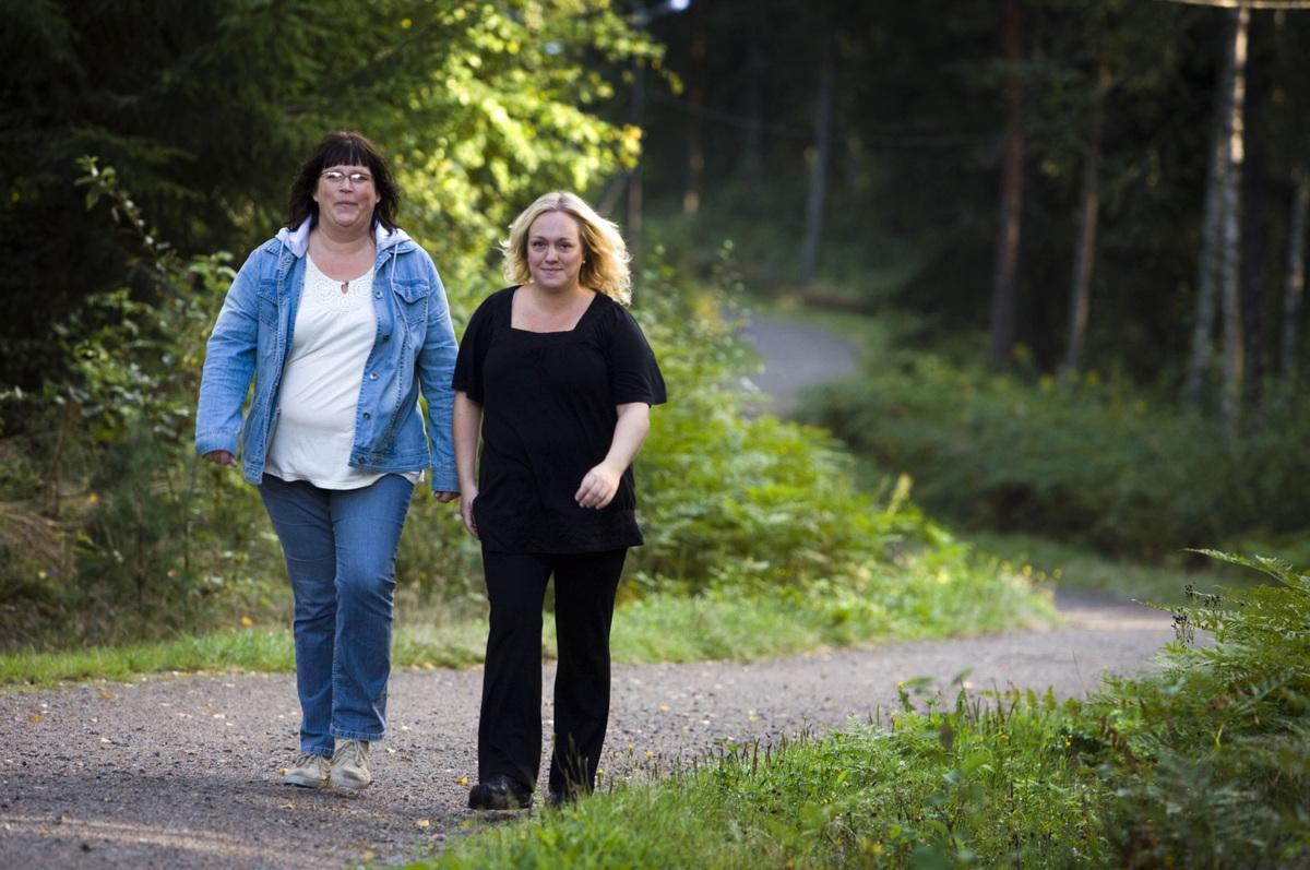 Namn: Monika Allöv Andersson. Ålder: 39 år. Startvikt: 111 kilo. Vikt nu: 104,7 kilo. Målvikt: 81 kilo.Namn: Marie Erenbrant. Ålder: 33 år. Startvikt: 92 kilo. Vikt nu: 85,3 kg. Målvikt: 65 kilo.