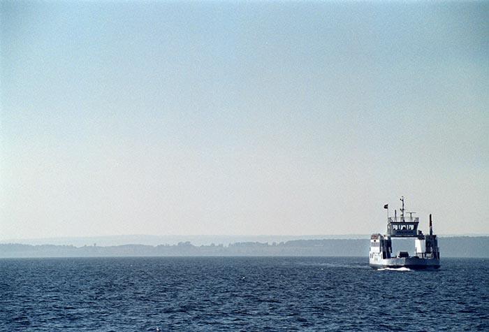 Färjan från Gränna tar besökarna till Visingsö.