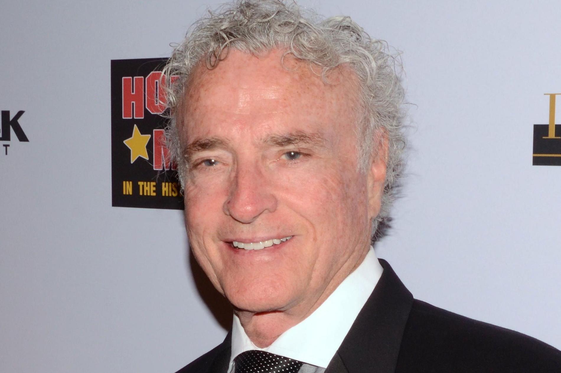 Kevin Dobson blev 77 år.