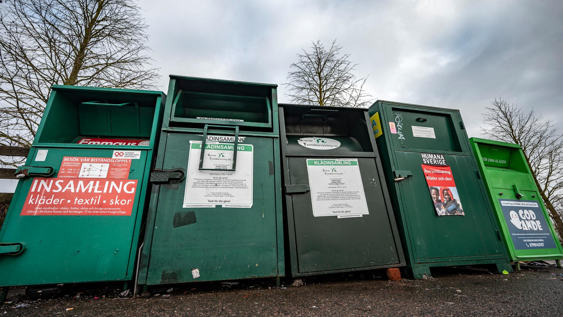 Två män åtalas för att ha stulit 4,6 ton kläder ur insamlingscontainrar på flera platser i Västsverige. Arkivbild.