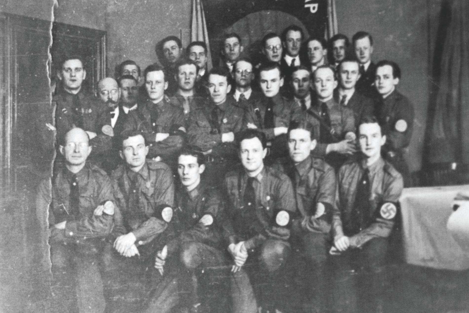 Gustaf Ekström 1935, längst ner till höger i bild