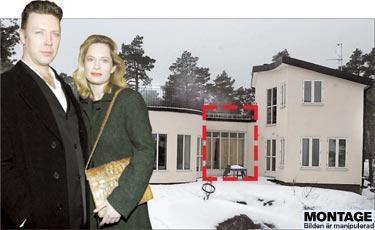 En dyr chansning Mikael Persbrandt och Maria Bonnevie måste nu riva den gång som sammanbinder vardagsrummet med resten av den lyxiga villan på Ingarö i Stockholms skärgård.