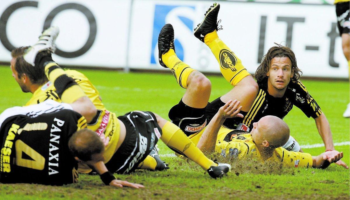 """tröttkörda? Energin och orken kan bli skillnaden i kvällens derby. AIK fick två dagars vila inför matchen mot Elfsborg – Elfsborg fick fyra. Mot Hammarby upprepar sig historien. """"Hammarby har så klart en fördel i att ha fått två dagar längre vila"""", säger AIK:s mittfältare Bojan Djordjic."""
