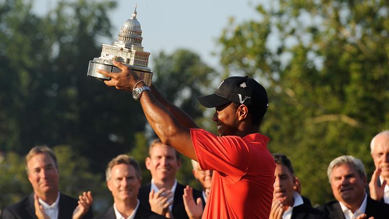 Tiger avslutade med två under par.