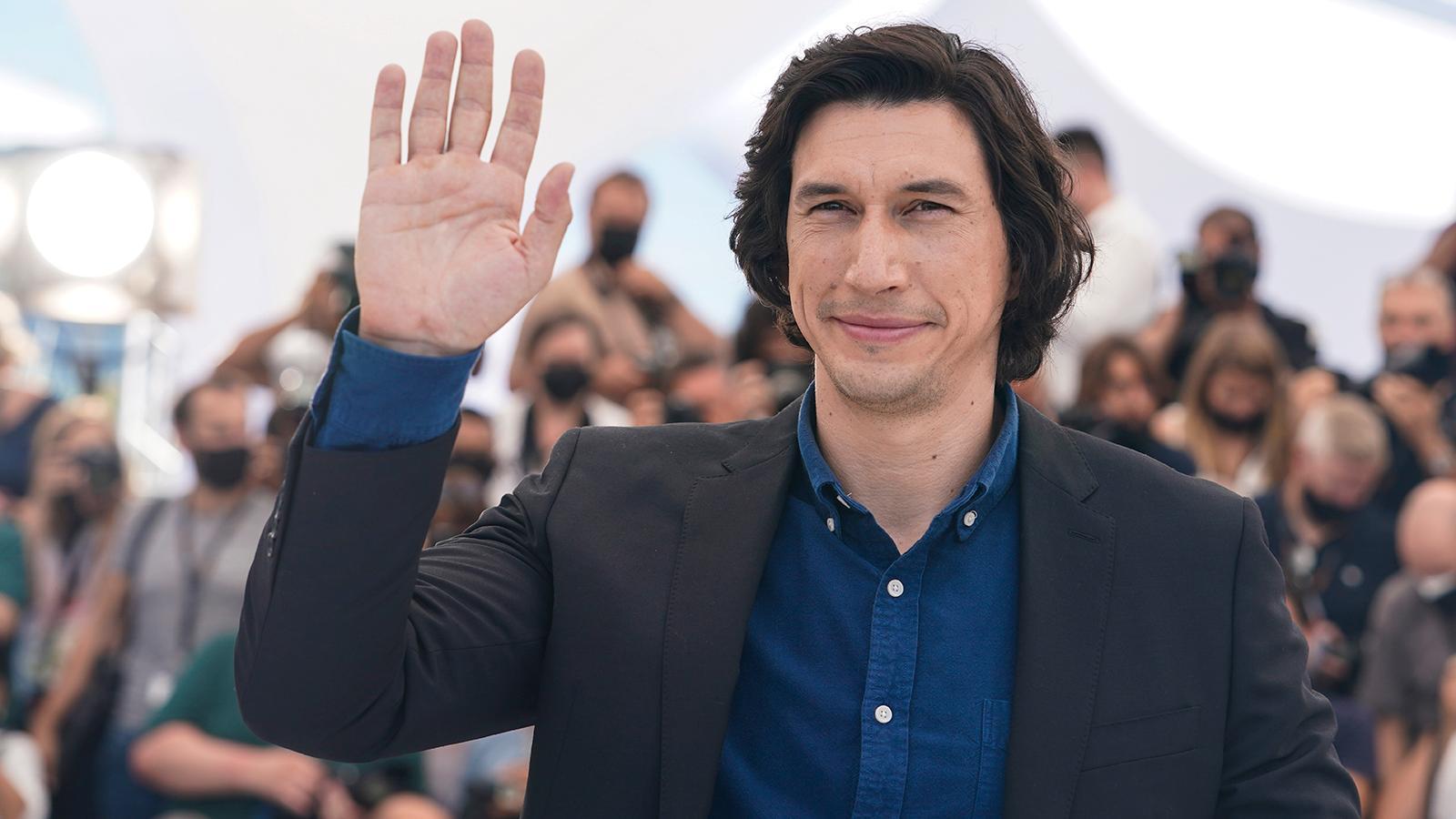 Adam Driver på blixtvisit i Cannes.