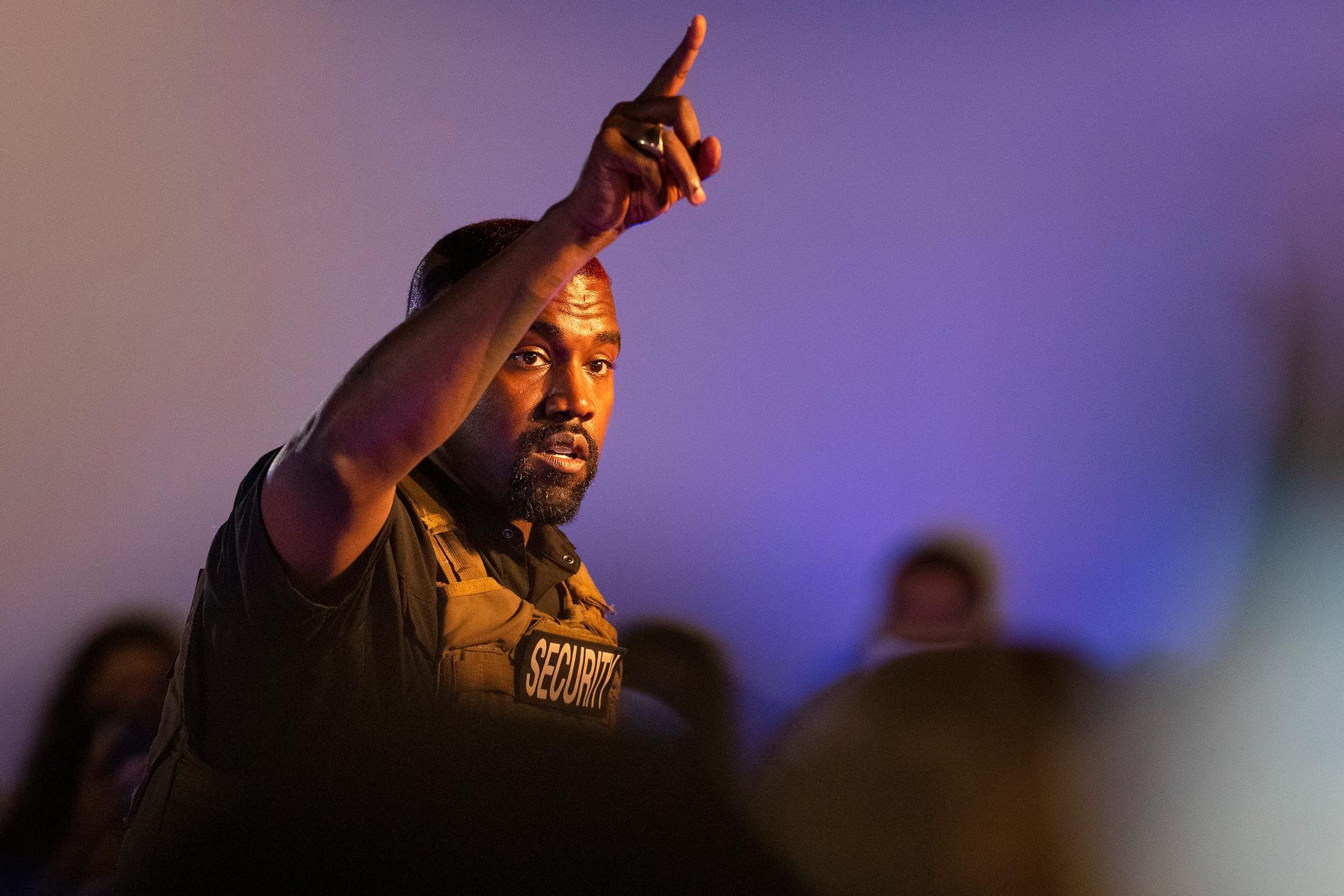 Kanye West har flyttat – till en idrottsarena.